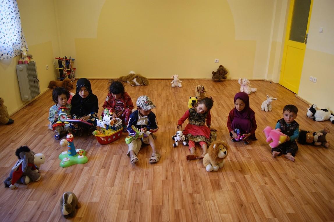 Des jouets pour les enfants afghans