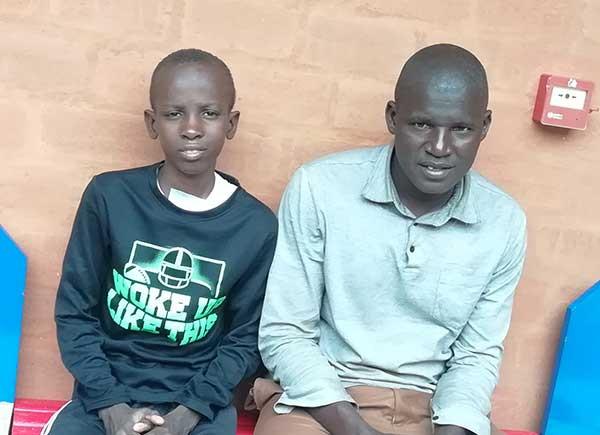 Issa et son papa au Sénégal
