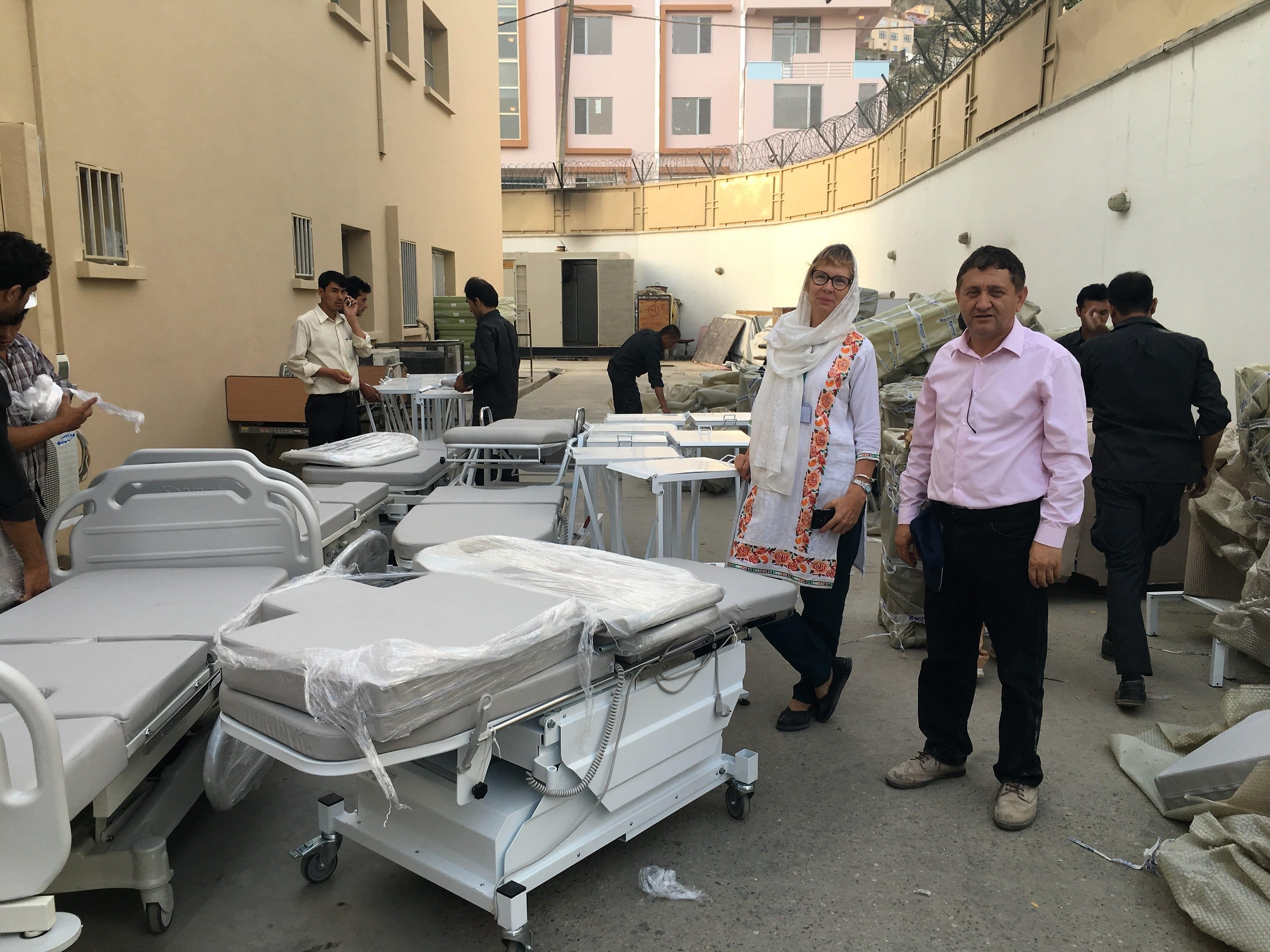 Arrivée des lits d'accouchement à Kaboul