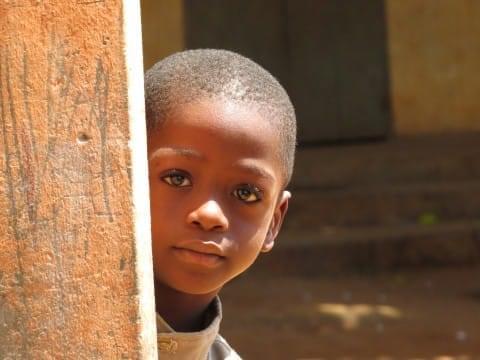 Portrait d'une écolière tongolaise