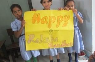 Raksha Bandhan, cérémonie célébrée à l'école Sneh