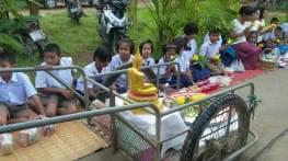 fin du careme bouddhique en thailande