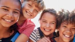 invitation a la table ronde  enfants et jeunes  acteurs de leurs droits